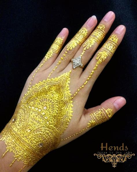 henna tattoo gold 40 fashionable gold henna tattoos for temporary style
