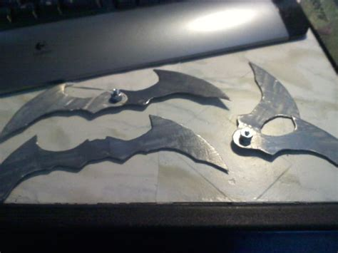 How To Make A Paper Batman Batarang - diy batman costumes