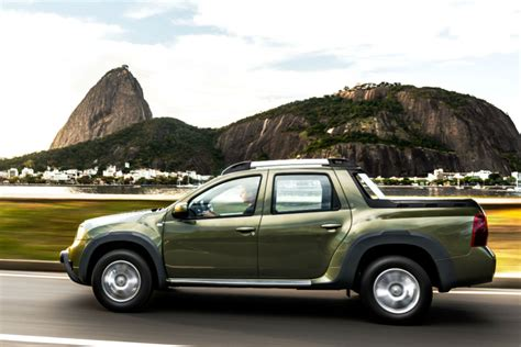 Renault Duster Oroch Double Cab (2017) First Drive   Cars
