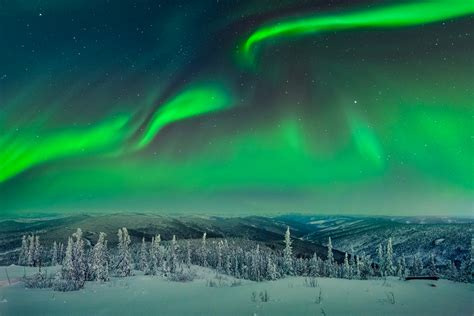 northern lights alaska time of year choosing a location to photograph aurora borealis