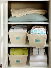 Bathroom Towel Folding Ideas 25 Best Ideas About Linen Storage On Pinterest Organize
