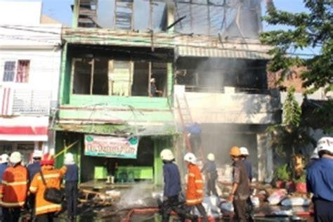 Plastik Semarang toko plastik jl semarang surabaya ludes terbakar