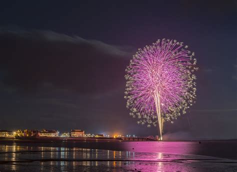 new year fireworks why 10 reasons why wales is still stunning at nightplas