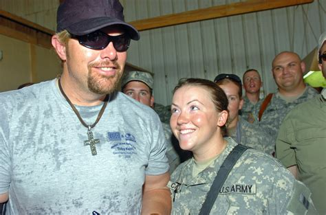 toby keith education pros for vets toby keith launches charity to help