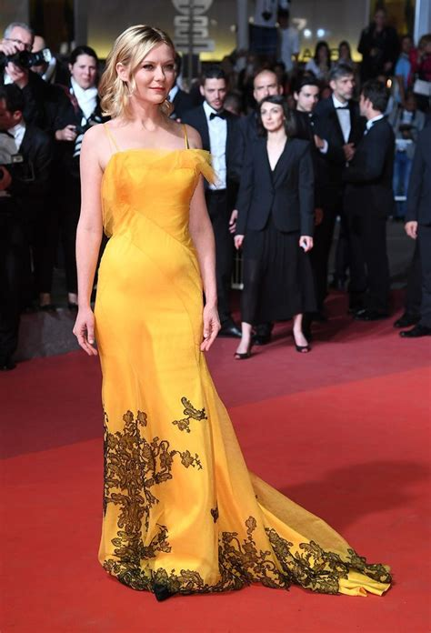 To Dresses Like Kirsten 25 And by 25 Best Ideas About Carpet Looks On
