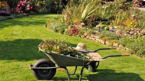 come curare un giardino come curare l orto e il giardino a settembre il