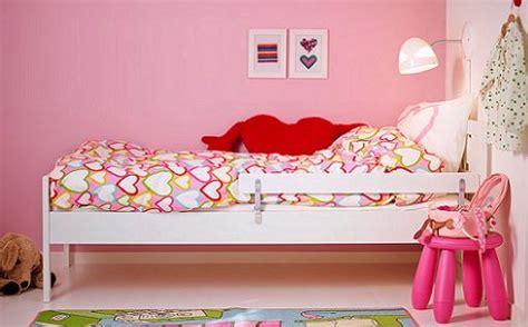 ikea camas ni os camas pequeas para nios habitacin con cama elevada y zona