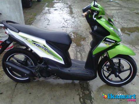 Honda Beat Pgmfi Th 2014 beat hijau putih pgm fi th 2013 samsat baru motor
