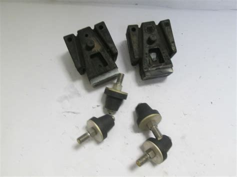 johnson vro   rubber mounts isolator dampers evinrude outboard engine