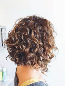 hairstyle in front in back for curly hair 25 best ideas about layered curly hairstyles on pinterest