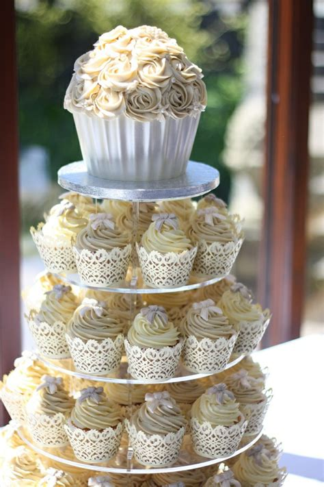 Hochzeit Cupcakes by Hochzeits Cupcakes Wundersch 246 Ne Beispiele Archzine Net