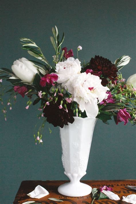 how to floral arrangements 4 steps to creating a professional flower arrangement the everygirl