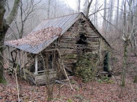 build a cottage abandoned cabin in the woods small abandoned cabin in