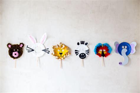 como hacer mascaras de pollitos con platos de papel m 225 scaras de carnaval con platos de cart 243 n con botas de agua