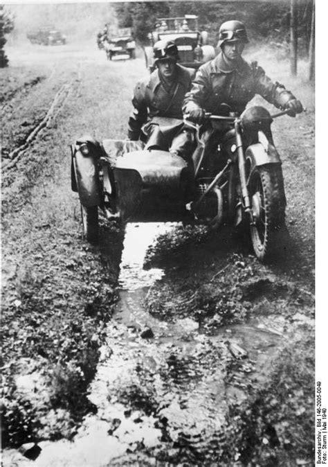 Ural Motorrad Im Gel Nde by File Bundesarchiv Bild 146 2005 0049 Kradfahrer Und