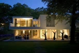 unique glass windows in villa in bilthoven white wall