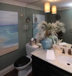Wall Hanging Vase Christmas Decorating Like A Pro Traditional Bathroom
