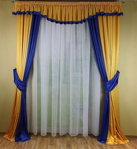 gardinen fenster fensterdekoration mit 2 schals und querbehang