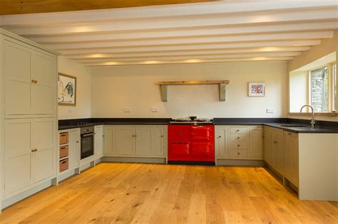 shaker style kitchen bespoke kitchens cornwall painted kitchen shaker style