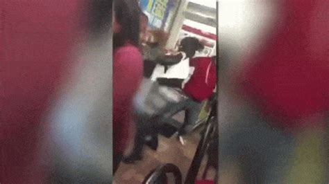 Waffle House Fight by Vicious Fight At Chesterfield Waffle House Leaves