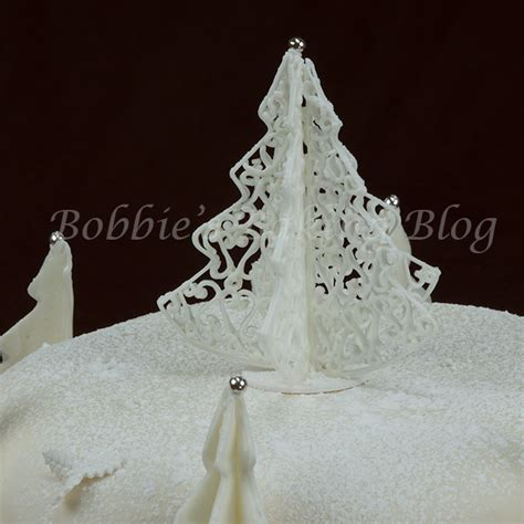 xmas tree made with royal icing colorado cake 5thavenuecakedesigns