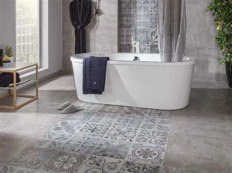 piastrelle decorate per bagno oltre 25 fantastiche idee su bagni di piastrelle su