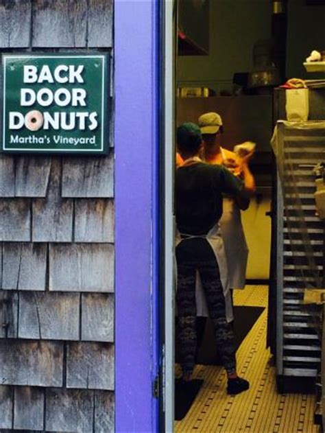 Back Door Donuts Oak Bluffs by Best Donut In Town And Warm Picture Of Back