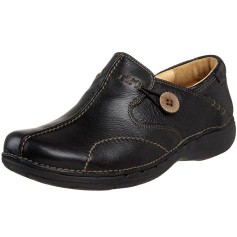 clarks unstructured un loop black leather slip on