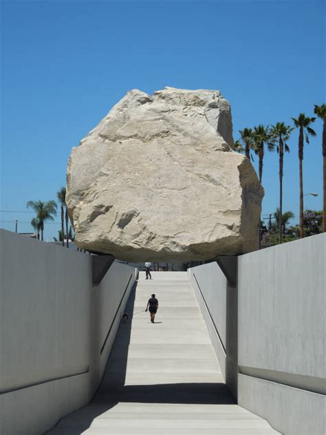 levitated mass michael heizer archocom