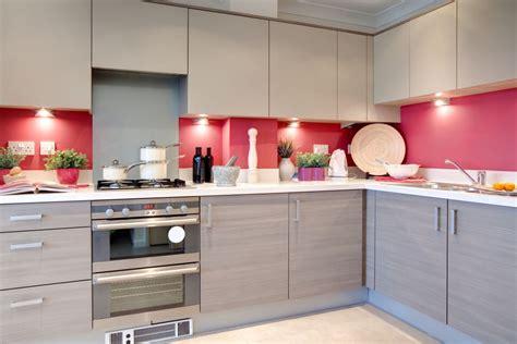 red and grey kitchen ideas dwa modne kolory aranżacja kuchni otwartej dom pl