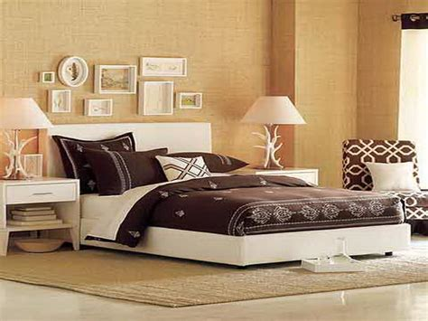 wall decor ideas for master bedroom bloombety top master bedroom wall decorating ideas
