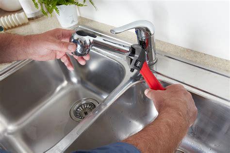 bathroom leaking into kitchen wie tauscht man einen wasserhahn aus ebay