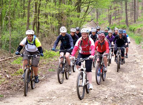 womens bike riding best bicycle riding for women bing images