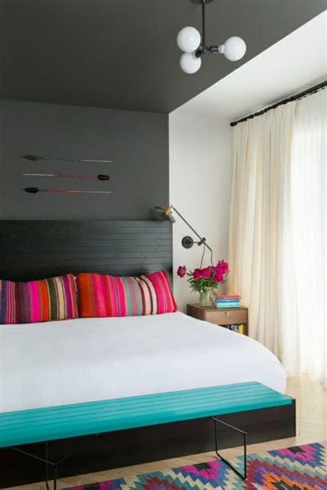 gute schlafzimmer farben farben im schlafzimmer einsetzen das schwarz als hauptfarbe