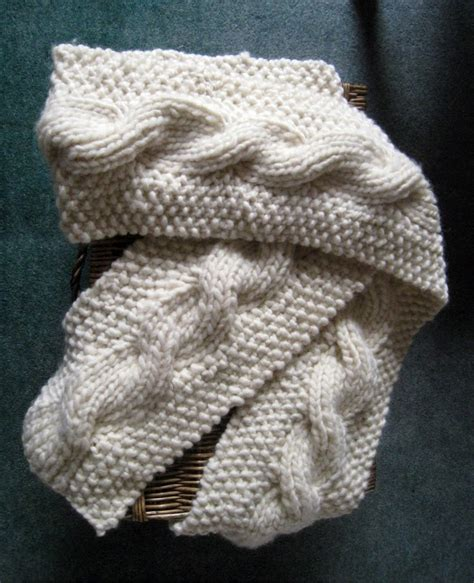 reversible cable scarf knitting pattern rosmademe the snuggly reversible cable scarf