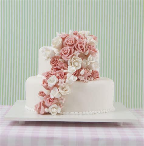 decorar bolo redondo escolha um dos belos bolos decorados para casamento max
