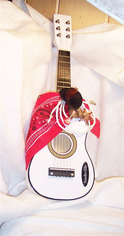 Plain,Decorated or Personalized Guitars for Weddings