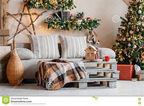 interior christmas decorations macollinsdesign com calm image of interior modern home living room decorated