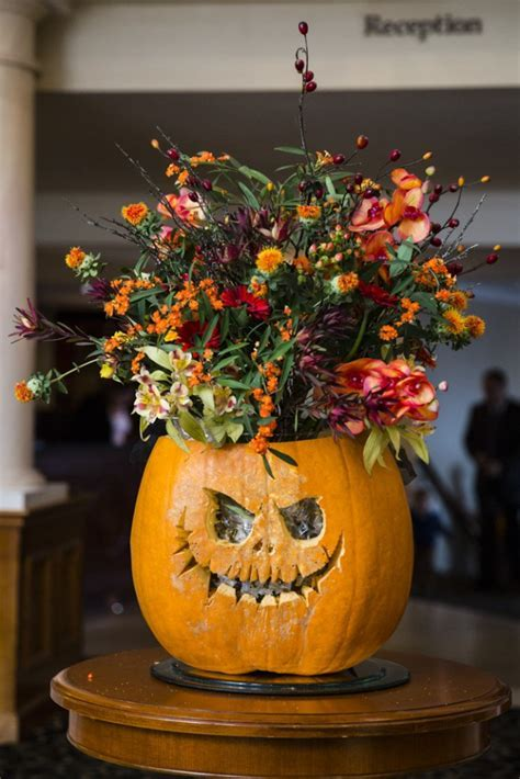 Halloween and Autumn Themed Wedding · Rock n Roll Bride