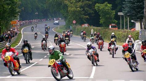 Reisen Zu Motorradrennen by Motorradrennen In Schotten Foto Bild Sport Motorsport