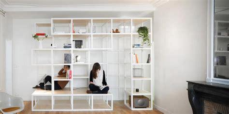 cara membuat rak buku yang menempel di dinding studio arsitektur prancis buat rak serbaguna harian depok