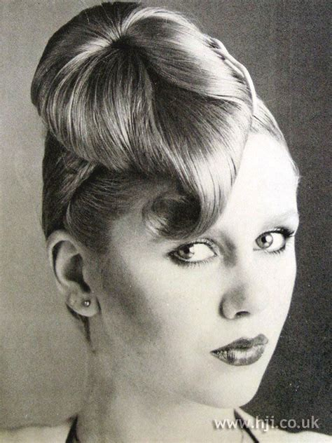 1970s hairstyle gallery lovetoknow 17 best images about 1970 s hair on pinterest vintage
