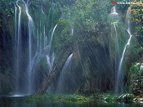 water falling beautiful pics of waterfalls