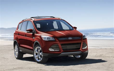 when does four wheel drive activate for a ford escape