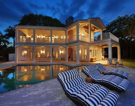tropical homes for sale on siesta key