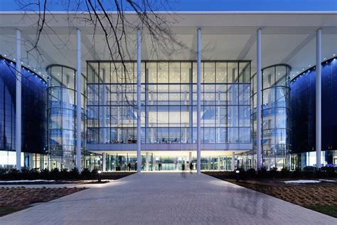 Yale Pre Mba Linkedin by The 9 Best New Buildings Around The World