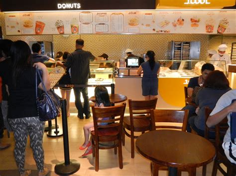J Co Donuts Coffee Bandung file j co donuts coffee cafe in trinoma jpg