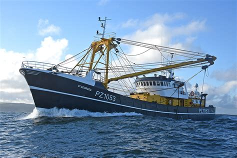 newlyn beam trawler st georges re engined at whitby - Fishing Boat For Sale Whitby