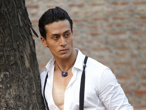 tiger shroff hair style tiger shroff haircut image wallpaper unplugging us