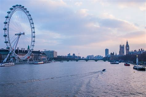 thames river in london sunset over the river thames london free stock photo